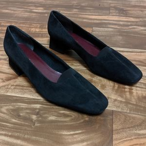 Naturalizer shoe size 10.5 black